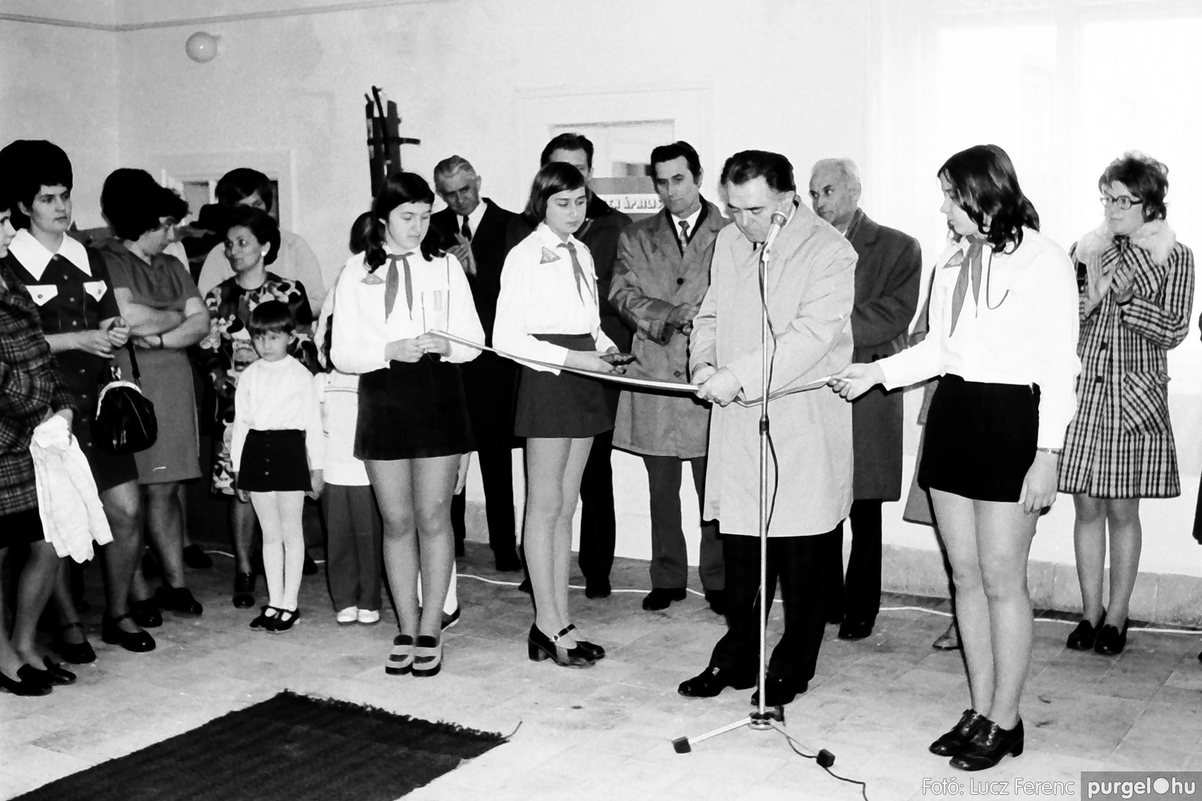 009 1975.04. Óvoda bővítés utáni átadási ünnepség 002 –